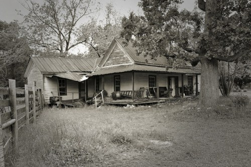 Cadley GA Warren County Ghost Town Old Farmhouse Photograph Copyright Brian Brown Vanishing North Georgia USA 2014
