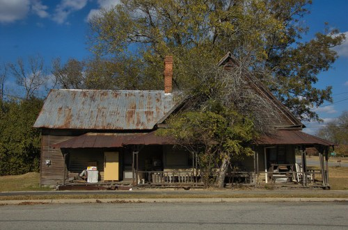 Mitchell GA Glascock County Hip Roof Vernacular House Side View Photograph Copyright Brian Brown Vanishing North Georgia USA 2014