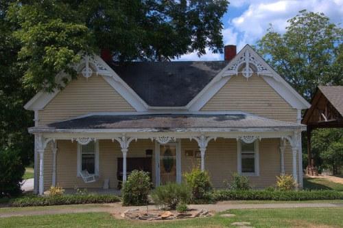 Tallapoosa GA Haralson County Victorian House Photograph Copyright Brian Brown Vanishing North Georgia USA 2014