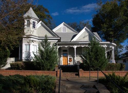Milledgeville GA Baldwin County Victorian Shingle Sided House Photograph Copyright Brian Brown Vanishing North Georgia USA 2014