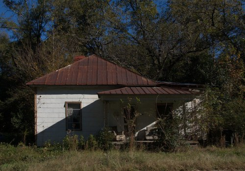 Siloam GA Greene County Abandoned Vernacular House Pyramidal Roof Photograph Copyright Brian Brown Vanishing North Georgia USA 2014