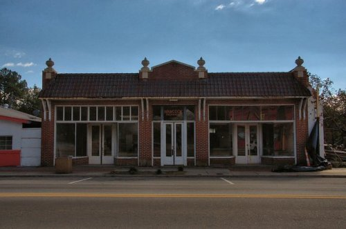 sparta-ga-old-hancock-propane-company-service-station-auto-dealership-photograph-copyright-brian-brown-vanishing-north-georgia-usa-2014