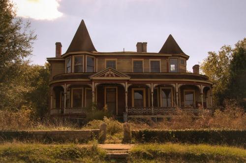 Sparta GA Pendleton Graves House Photograph Copyright Brian Brown Vanishing North Georgia USA 2014