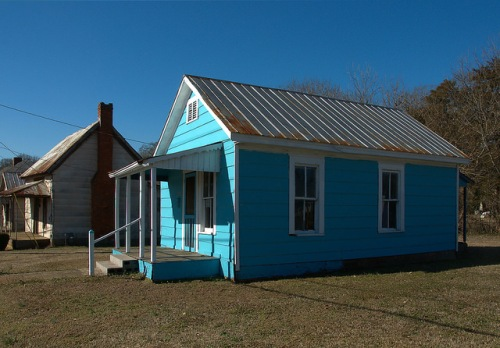 Blue Shotgun House Monticello Copyright Brian Brown Vanishing North Georgia USA 2015