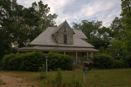 Dewy Rose GA Elbert County Vernacular Eclectic Farmhouse Photograph Copyright Brian Brown Vanishing North Georgia USA 2015