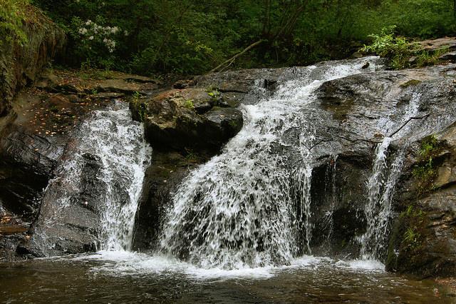https://vanishingnorthgeorgia.files.wordpress.com/2015/10/cupid-falls-young-harris-ga-towns-county-corn-creek-photograph-copyright-brian-brown-vanishing-north-georgia-usa-2015.jpg