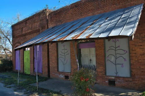 sharon-ga-taliafero-county-abandoned-storefronts-public-art-photograph-copyright-brian-brown-vanishing-north-georgia-usa-2016