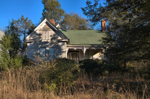 Sharon GA Taliaferro County Queen Anne House Photograph Copyright Brian Brown Vanishing North Georgia USA 2016