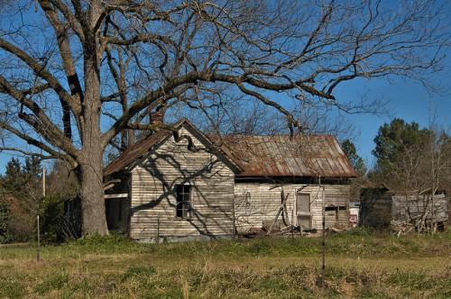 Warren County GA Vernacualr Clapboard Farmhouse Photograph Copyright Brian Brown Vanishing North Georgia USA 2016