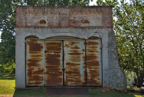 molena ga early 20th century warehouse photograph copyright brian brown vanishing south georgia usa 2016