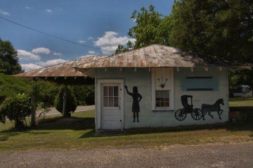durand ga country store mural photograph copyright brian brown vanishing north georgia usa 2016