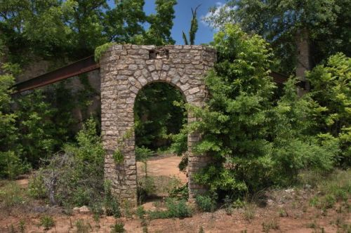 harris city ga ruins of jenkins general store photogrpah copyright brian brown vanishing north georgia usa 2016