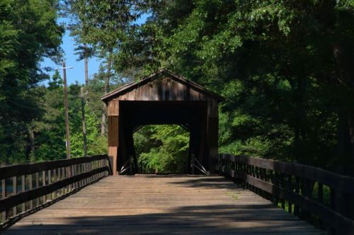 historic red oak creek covered bridge meriwether county photograph copyright brian brown vanishing north georgia usa 2016