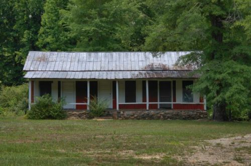 white sulphur springs ga meriwether county cabin photograph copyright brian brown vansihing north georgia usa 2016