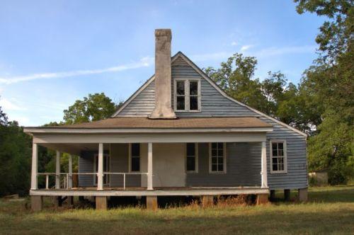 historic tompkins inn putnam county ga photogaph copyright brian brown vanishing north georgia usa 2016