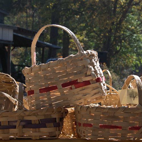louise-browns-greenville-ga-traditional-white-oak-baskets-at-festival-photograph-copyright-brian-brown-vanishing-north-georgia-usa-2013