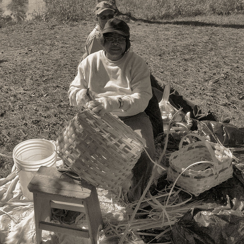 louise-larry-brown-white-oak-basket-makers-traditional-craft-photograph-copyright-brian-brown-vanishing-north-georgia-usa-2013
