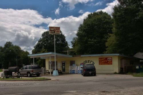 shady dale ga robby cindys cafe photograph copyright brian brown vanishing north georgia usa 2016