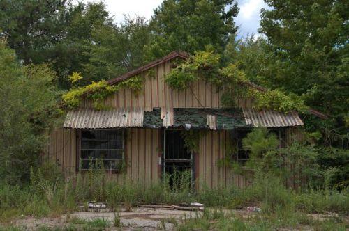 willard ga abandoned store photograph copyright brian brown vanishing north georgia usa 2016