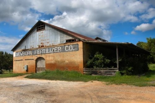 newborn fertilizer company newton county ga photograph copyright brian brown vanishing north georgia usa 2016
