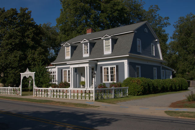dutch colonial architecture colonial house barnesville vanishing 11518