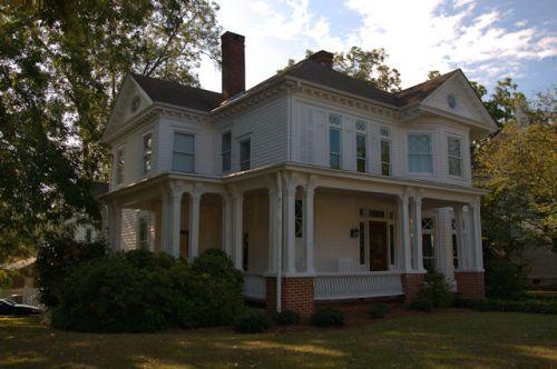 barnesville-ga-italianate-house-photograph-copyright-brian-brown-vanishing-north-georgia-usa-2016