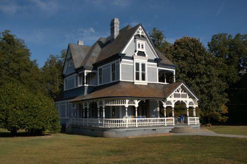 barnesville-ga-queen-anne-house-photograph-copyright-brian-brown-vanishing-north-georgia-usa-2016