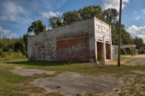 meansville-ga-abandoned-bank-cochrans-grocery-photograph-copyright-brian-brown-vanishing-north-georgai-usa-2016