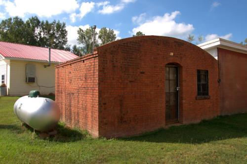 meansville-ga-calaboose-old-jail-photograph-copyright-brian-brown-vanishing-north-georgia-usa-2016