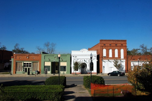 historic-talbotton-ga-storefronts-on-the-town-squre-photograph-copyright-brian-brown-vanishing-north-georgia-usa-2017