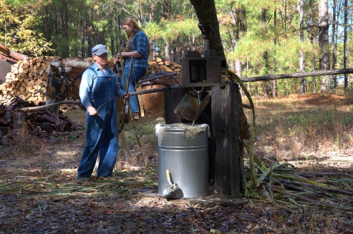 ribbon-cane-master-making-syrup-junction-city-ga-folklife-photograph-copyright-brian-brown-vanishing-south-georgia-usa-2017