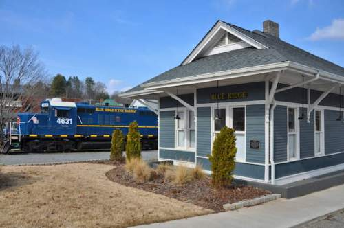 blue-ridge-depot-scenic-railway-photograph-copyright-brian-brown-vanishing-north-georgia-usa-2017