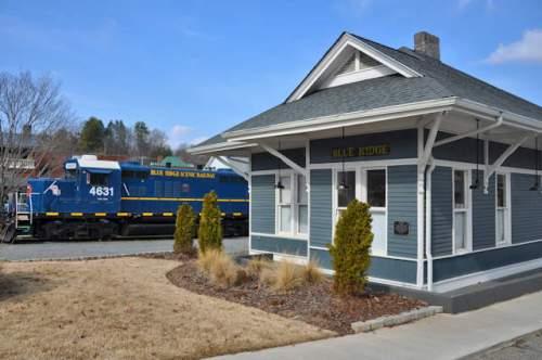 blue-ridge-depot-scenic-railway-photograph-copyright-brian-brown-vanishing-north-georgia-usa-2017