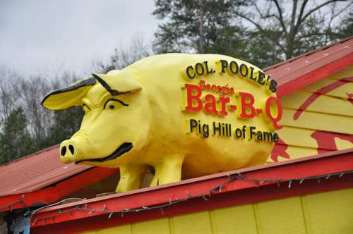 col-pooles-bar-b-q-photograph-copyright-brian-brown-vanishing-north-georgia-usa-2017