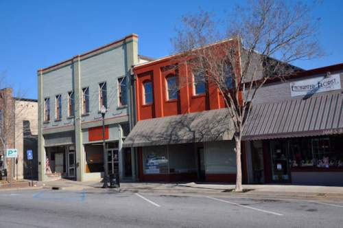 commerce-ga-historic-storefronts-south-broad-street-photograph-copyright-brian-brown-vanishing-north-georgia-usa-2017
