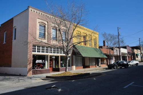 commerce-ga-state-street-commercial-storefronts-photograph-copyright-brian-brown-vanishing-north-georgia-usa-2017