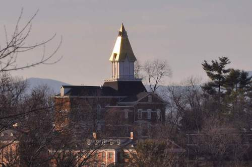 dahlonega-ga-price-memorial-hall-gold-steeple-photograph-copyrighrt-brian-brown-vanishing-north-georgia-usa-2017