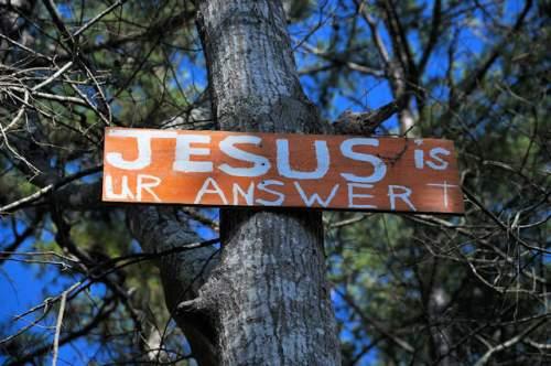 hall-county-ga-jesus-sign-photograph-copyright-brian-brown-vanishing-north-georgia-usa-2017