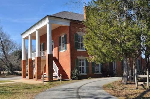 historic-banks-county-courthouse-homer-ga-photograph-copyright-brian-brown-vanishing-north-georgia-usa-2017