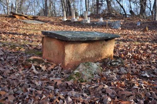 historic-mount-gilead-baptist-cemetery-garland-ga-soapstone-tomb-child-photograph-copyright-brian-brown-vanishing-north-georgia-usa-2017