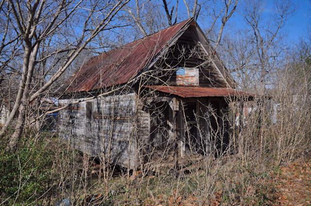 lula-ga-shotgun-house-photograph-copyright-brian-brown-vanishing-north-georgia-usa-2017