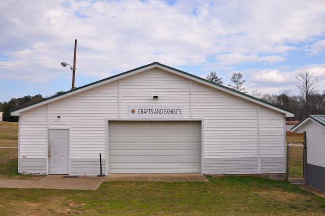 madison-county-fair-ground-comer-ga-crafts-and-exhibit-hall-photograph-copyright-brian-brown-vanishing-north-georgia-usa-2017