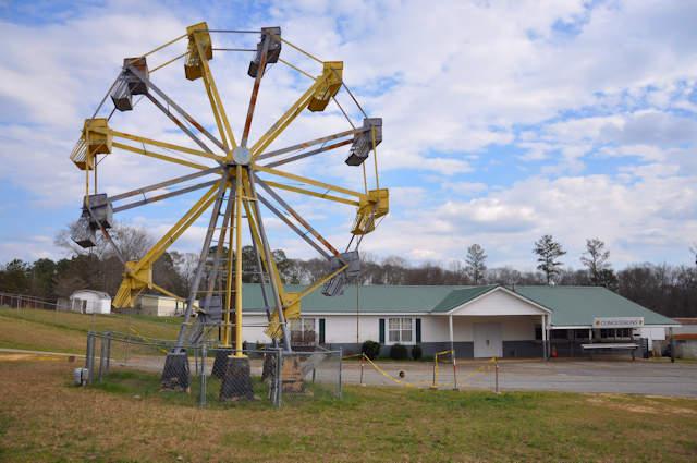 madison-county-lions-club-fairgrounds-comer-ga-ferris-wheel-photograph-copyright-biran-brown-vanishing-north-georgia-usa-2017