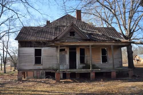maysville-ga-abandoned-farmhouse-photograph-copyright-brian-brown-vanishing-north-georgia-usa-2017