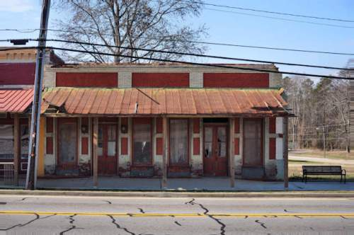 maysville-ga-historic-storefront-photograph-copyright-brian-brown-vanishing-north-georgia-usa-2017