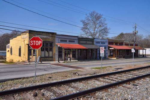 maysville-ga-jackson-county-side-historic-trackside-storefronts-photograph-copyright-brian-brown-vanishing-north-georgia-usa-2017